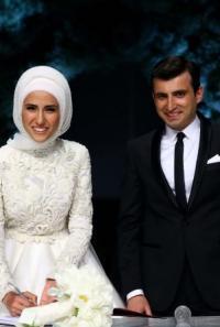 Sümeyye Erdoğan'ın Gelinliğini Kim Tasarladı?